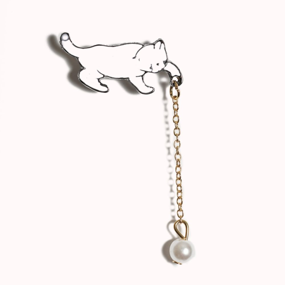 PEARL DROP KITTEN BROOCH